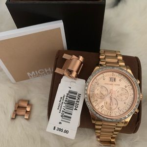 Michael Kors woman watch color rose gold